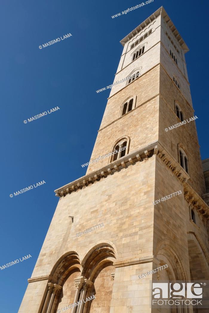Imagen: Trani, city in Puglia region, Italy.