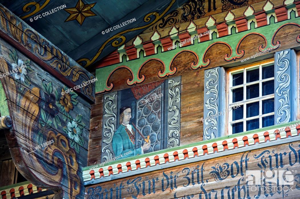 Stock Photo: Ornate Simmental farmhouse, Manihaus, farm house Argel, Zur Obern, Därstetten, Simmental valley, canton of Bern, Switzerland.
