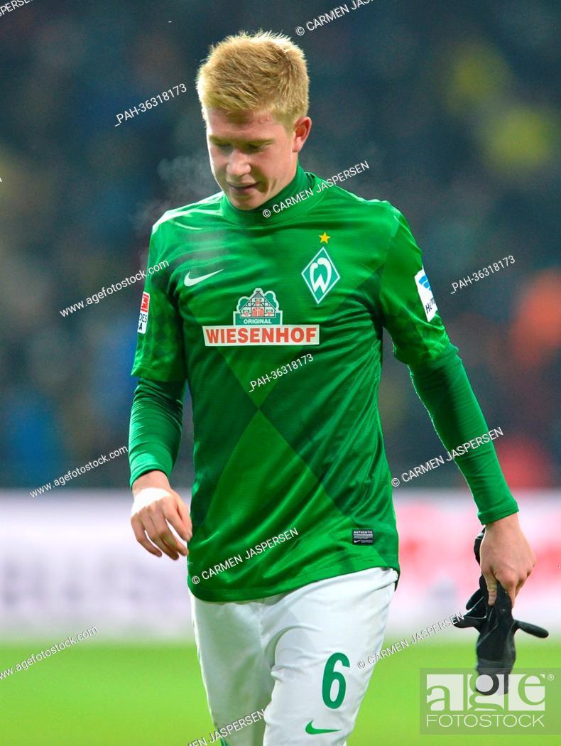 finest selection fcff0 de803 Bremen's Kevin De Bruyne walks across the pitch during the ...