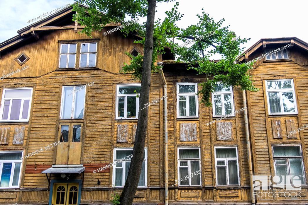 Imagen: Traditional house in the Kadriorg neighborhood of Tallinn, Estonia, Europe.