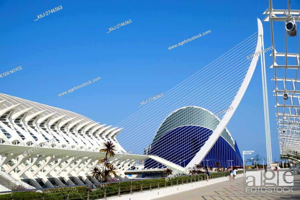 Stock Photo: El Pont de l'Assut de l'Or , L'Ã. gora and Principe Felipe Science Museum in Valencia Spain.