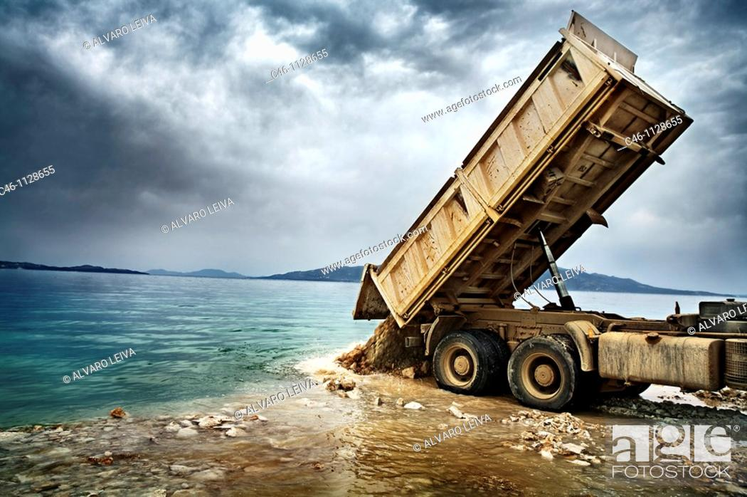 Stock Photo: Unloading rubble.