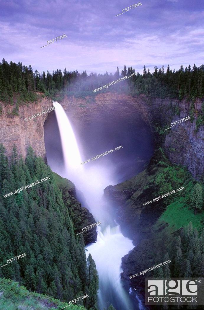 Stock Photo: Helmcken Falls, Wells Gray Provincial Park. British Columbia, Canada.