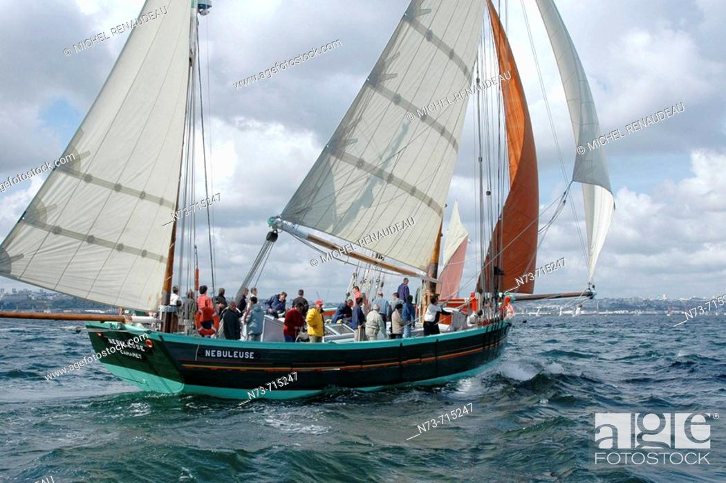 Stock Photo: International meeting of old sailing ships (Vieux Gréements, 2004), Brest. Finistère, Bretagne, France.