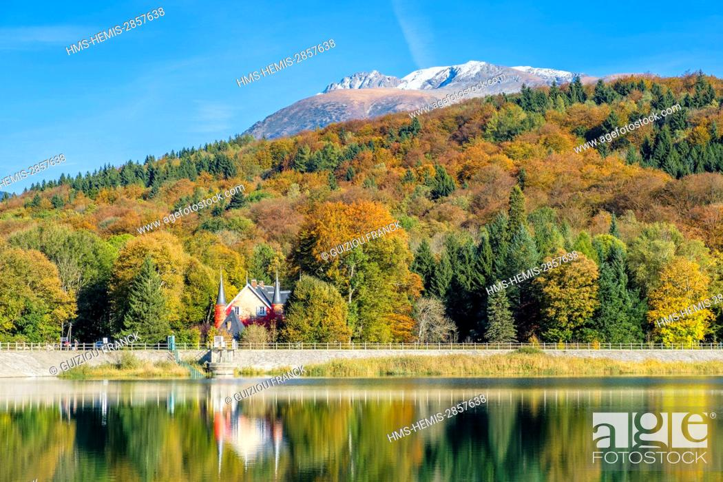 Stock Photo: France, Isere, surroundings of Grenoble, Matheysine region, hike on the GR 549 around the Laffrey lakes, lake Mort and Taillefer in the background (alt : 2857m).