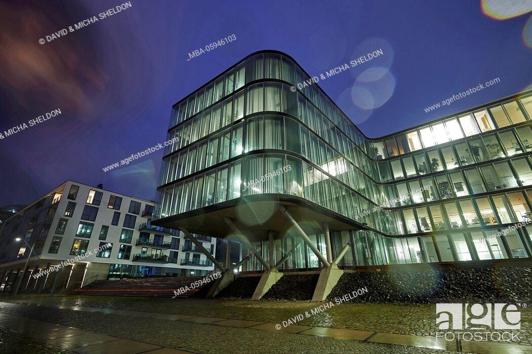 Stock Photo: Scenery, building, harbour, Hamburg, blue hour.