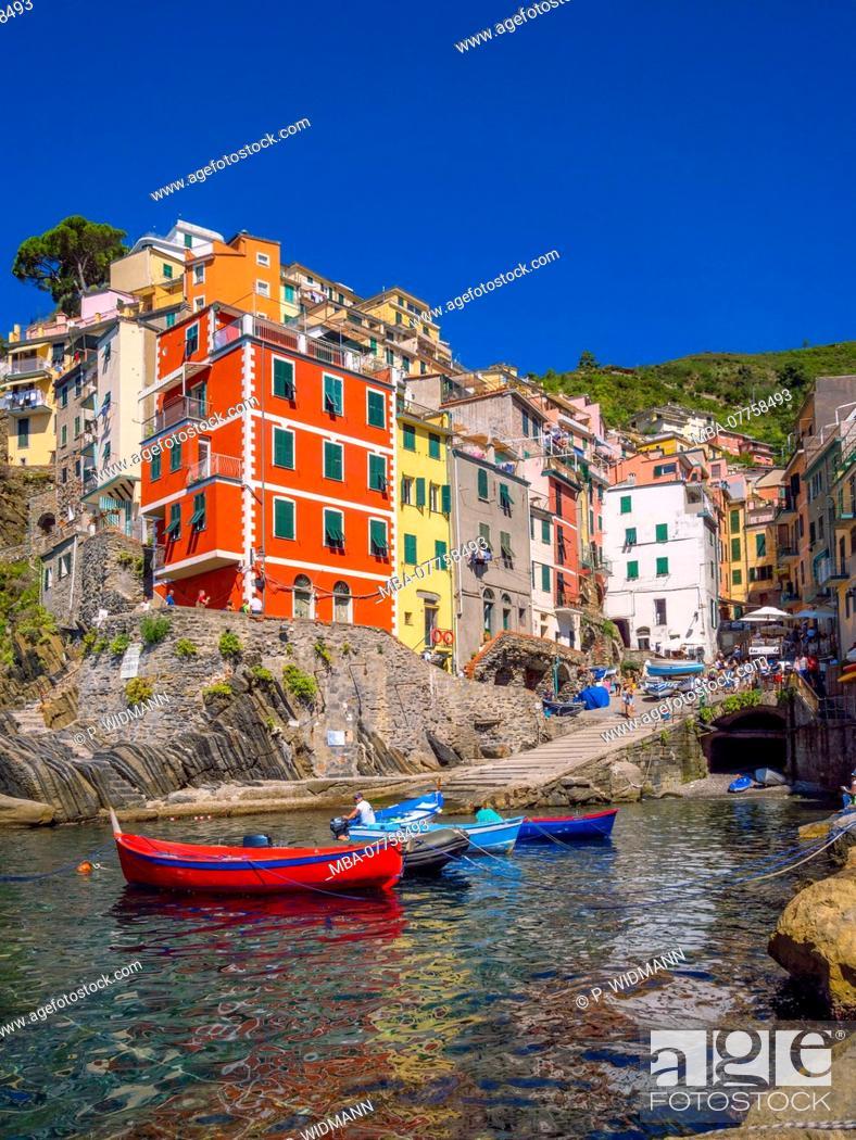 Stock Photo: View of harbour and colourful houses, Riomaggiore, Cinque Terre, La Spezia, Liguria, Italy, Europe.