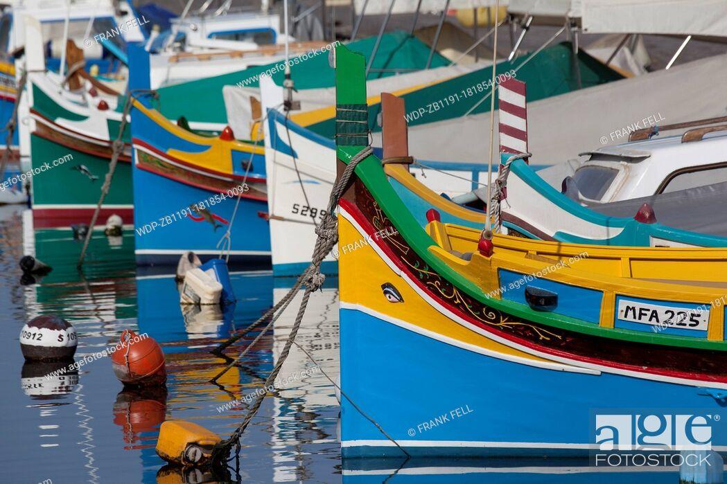 Imagen: Maltese Islands, Malta, Ta Xbiex, Colourful Harbour Boats.