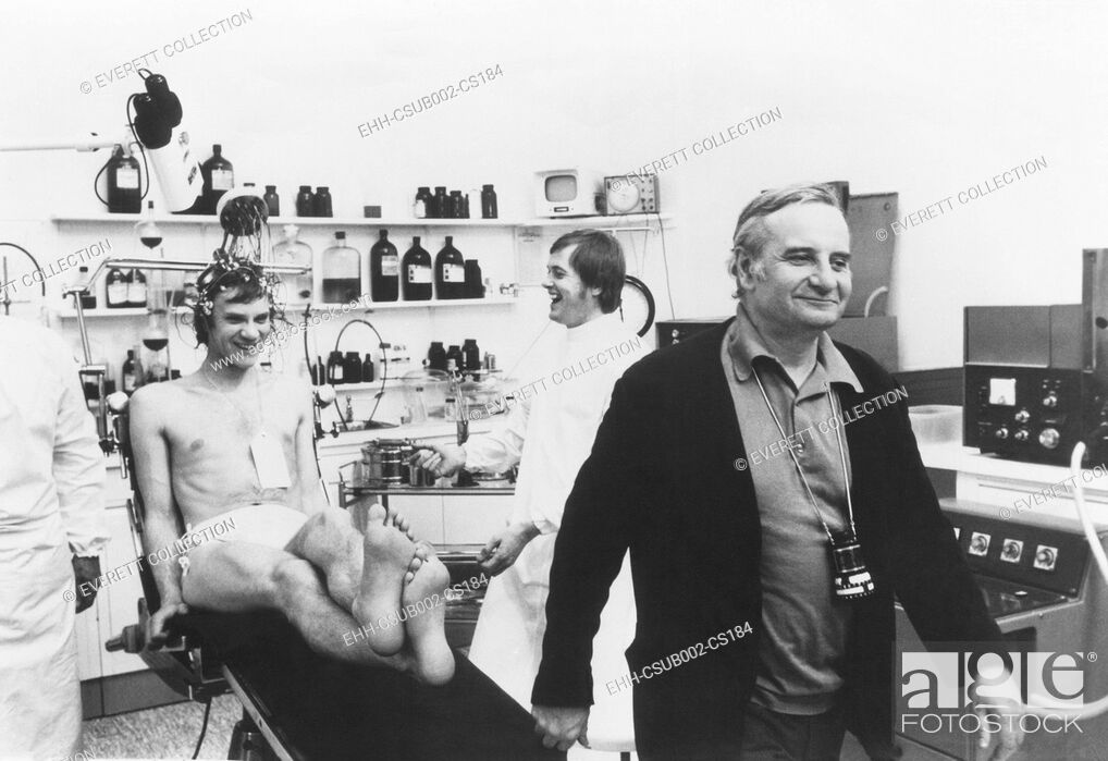 Imagen: Malcolm McDowell and Director Lindsay Anderson during the filming of O LUCKY MAN! 1973. (CSU-2015-11-1199).