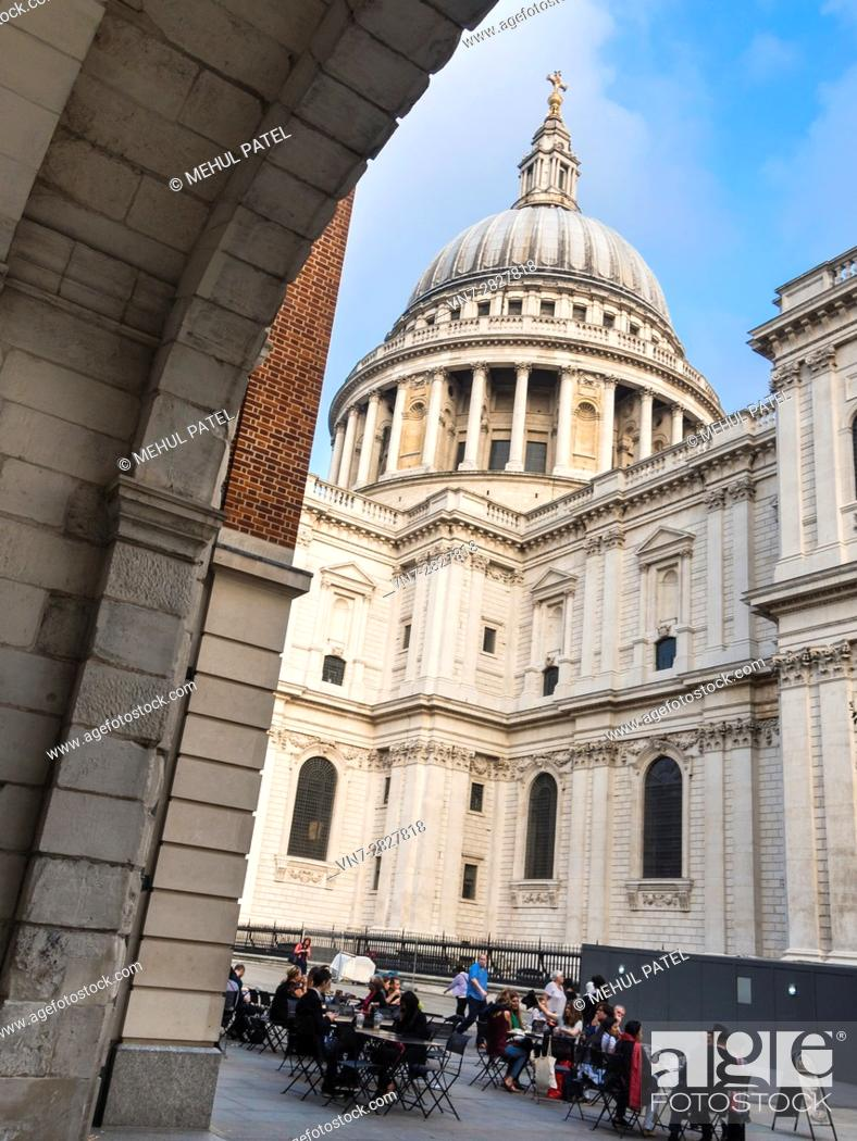 Stock Photo: View of dome of St Paul's Cathedral from St Paul's Churchyard- London, UK.