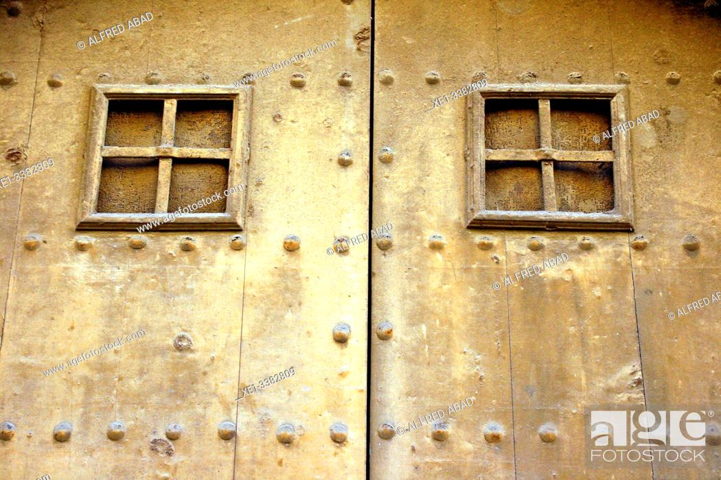 Stock Photo: door, Vilanova i la Geltrú, Catalonia, Spain.
