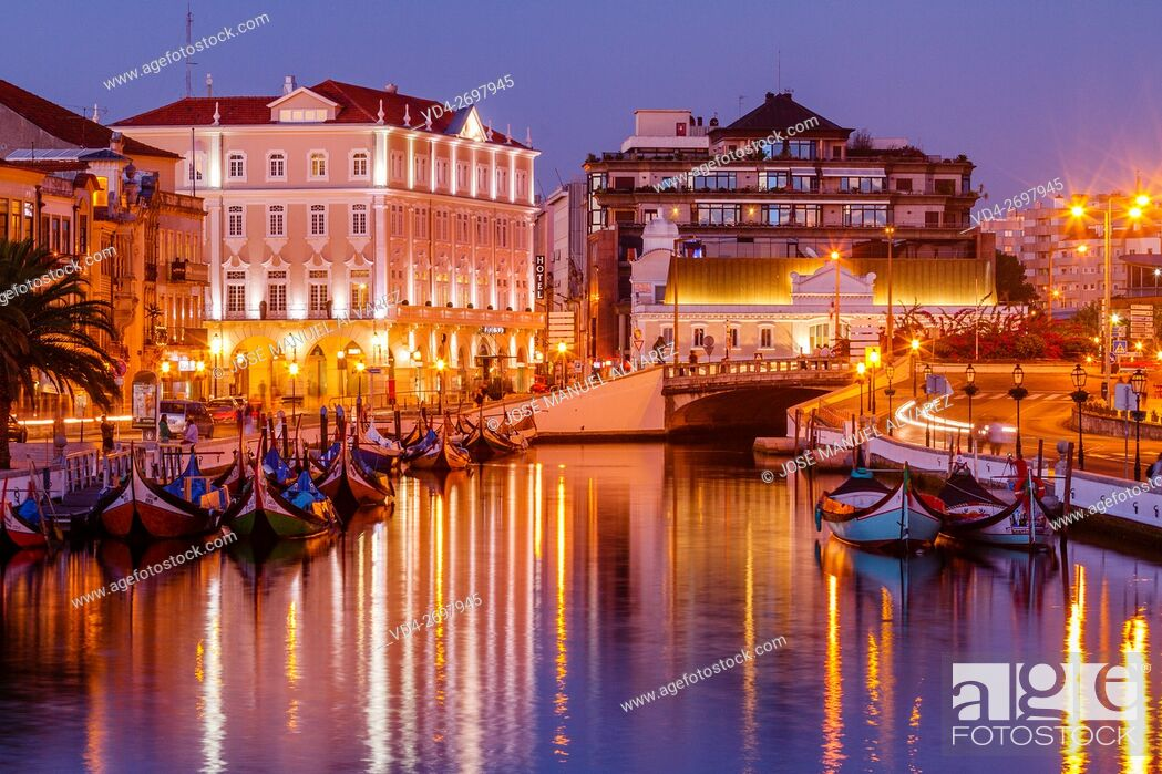 Photo de stock: Imagen taken on a street in the city of Aveiro, Portugal. A famous portuguese city known for its river and canal. Sometimes it is called the Venice Portuguese.