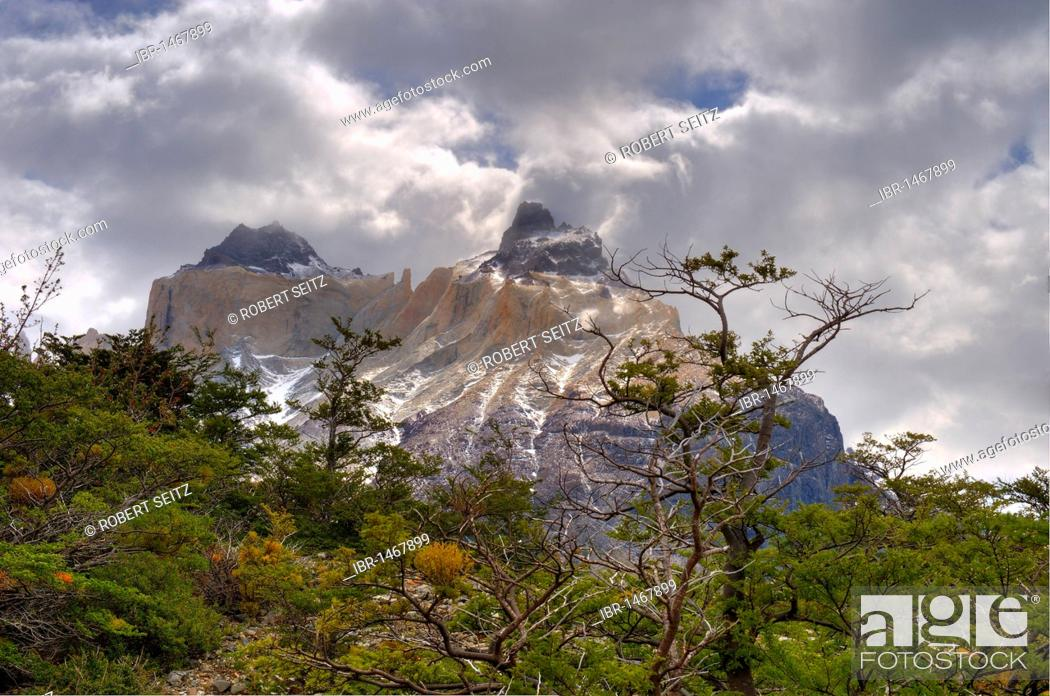 Photo de stock: Torres del Paine Massif, Patagonia, Chile, South America.