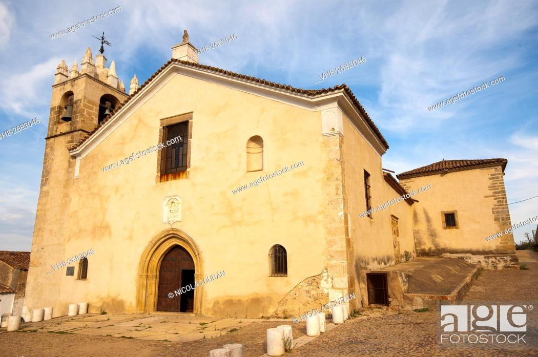 Stock Photo: Church of Santa Maria del Mercado 14th century. medieval district of Villa Adentro. Alburquerque. Province of Badajoz. Estremadura. Spain.