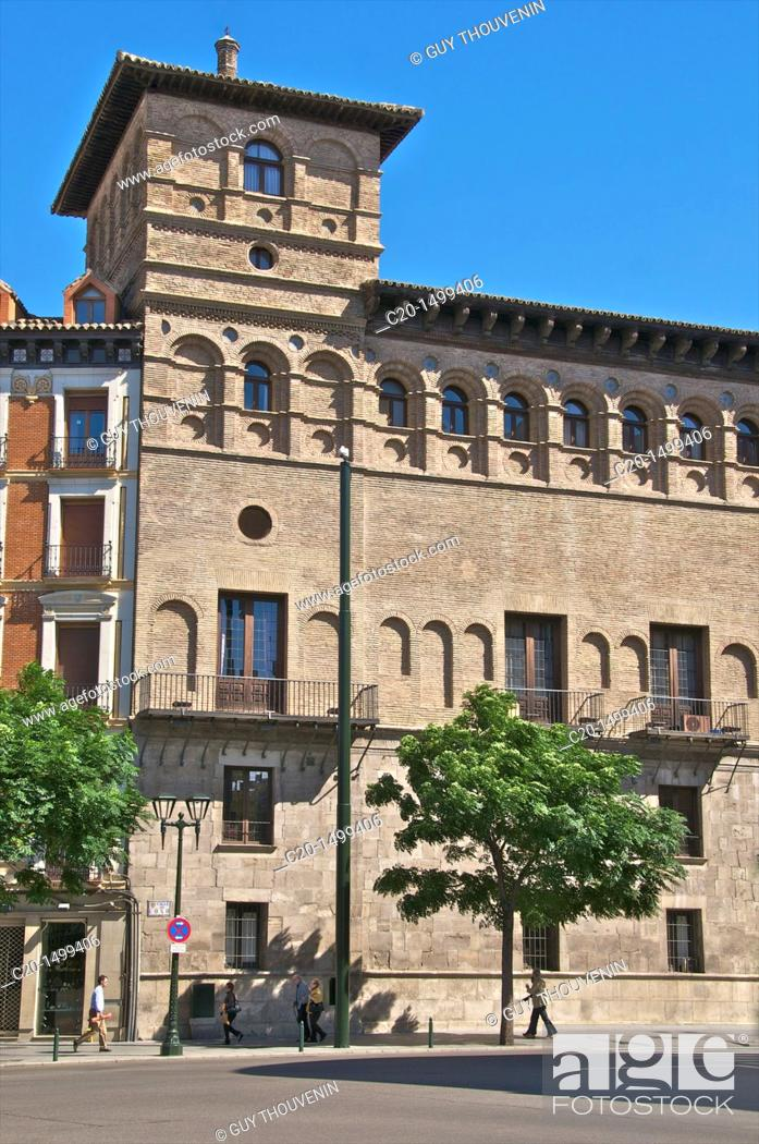 Imagen: Palace of the Condes de Morata o de Luna, Superior Court of Justice of Aragon, Renaissance Style 1551 Saragossa Aragon Spain.