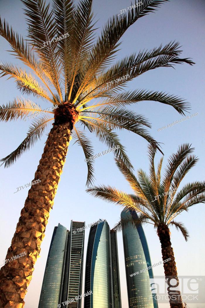 Stock Photo: United Arab Emirates, Abu Dhabi, Etihad Towers, palms,.