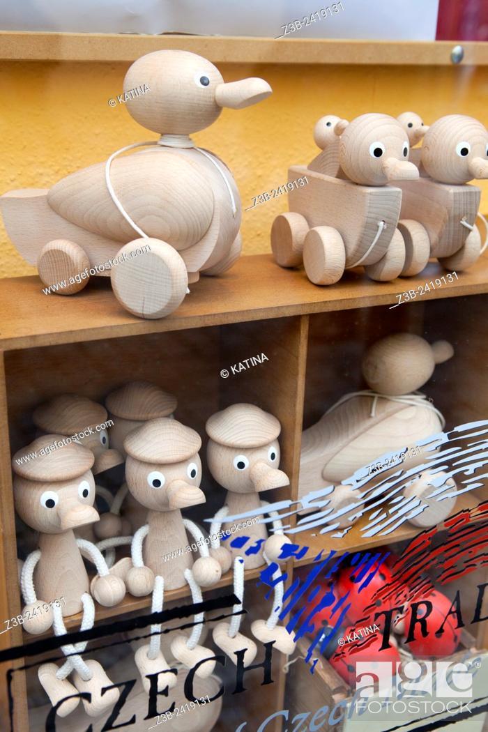 Imagen: Traditional Czech handmade wooden toys in a shop window, Prague, Czech Republic, Europe.