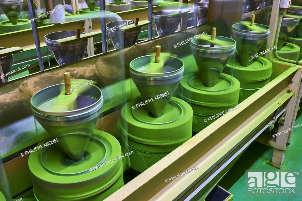 Stock Photo: Japan, Honshu island, Kansai region, Uji, tea factory, matcha tea mill.