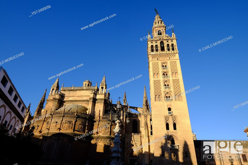 Stock Photo: Seville Cathedral and Giralda, Andalusia, Spain.