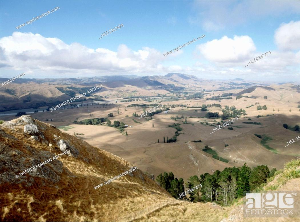 Stock Photo: Landscape near Napier. Country of Origin: New Zealand. Place of Origin: North Island. Credit Line: Werner Forman Archive/ . Location: 13.