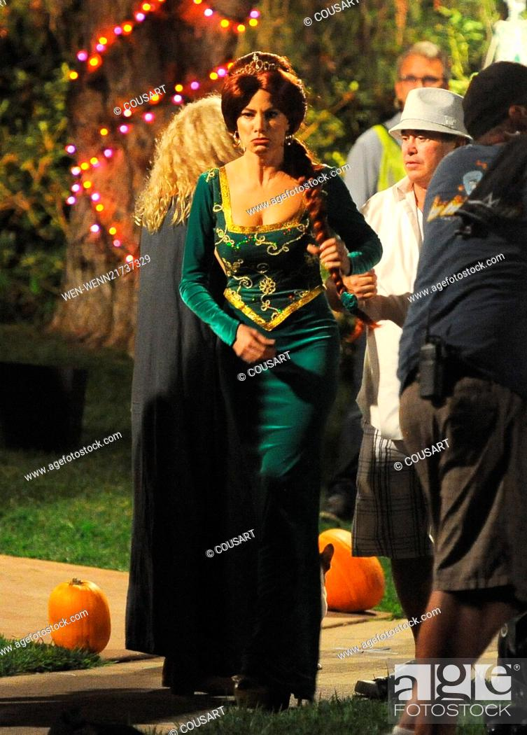 Sofia Vergara Wears A Princess Fiona From Shrek Costume On The Set Of Modern Family Filming A Stock Photo Picture And Rights Managed Image Pic Wen Wenn21737329 Agefotostock