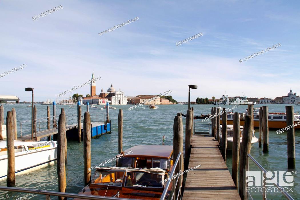 Stock Photo: Gondeln in Venedig.