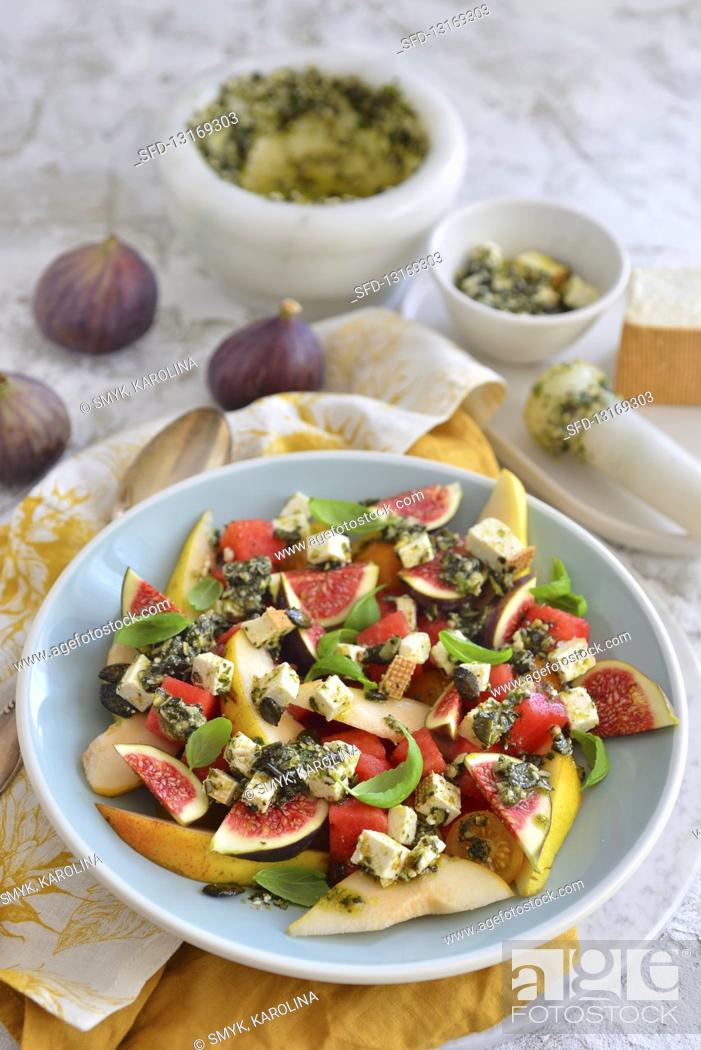Stock Photo: Salad with fig and blue cheese.