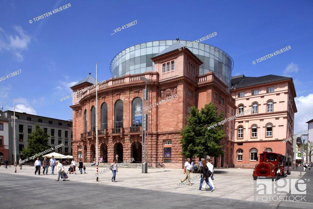 Stock Photo: Mainz : Das Grosse Haus des Staatstheaters.