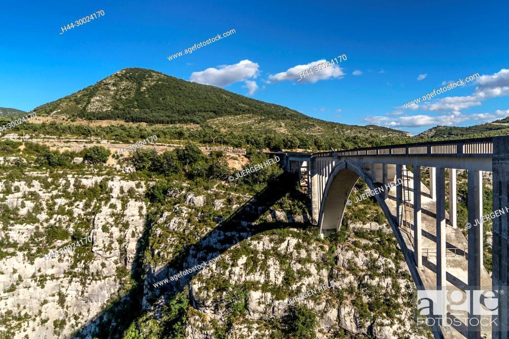 Stock Photo: Grand Canyon du Verdon, George du Verdon, Pont de la Artuby,Pont de l'Artuby, Provence-Alpes-Cote d'Azur, France,.
