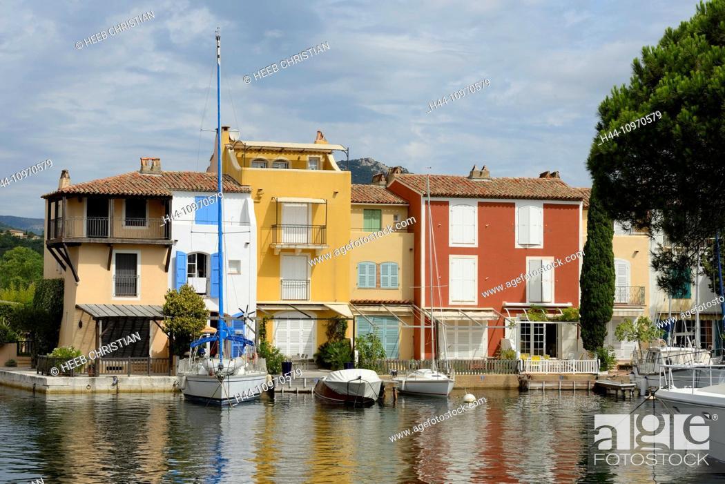 Imagen: Europe, France, Provence-Alpes-Côte d'Azur, Provence, Port Grimaud, boats, homes.