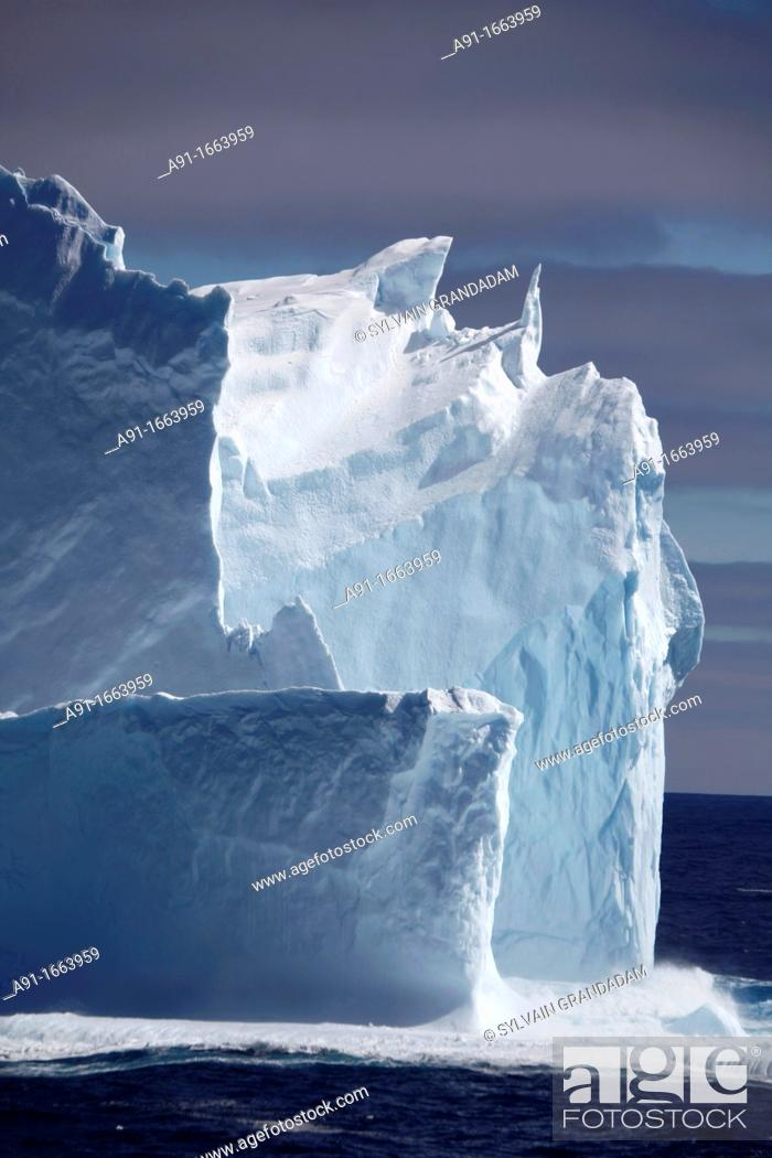 Stock Photo: Icebergs in the Weddell Sea, Antarctica.