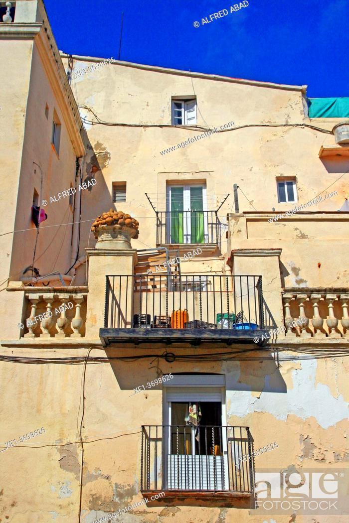 Photo de stock: balconies and terrace of housing, Vilanova i la Geltrú, Catalonia, Spain.