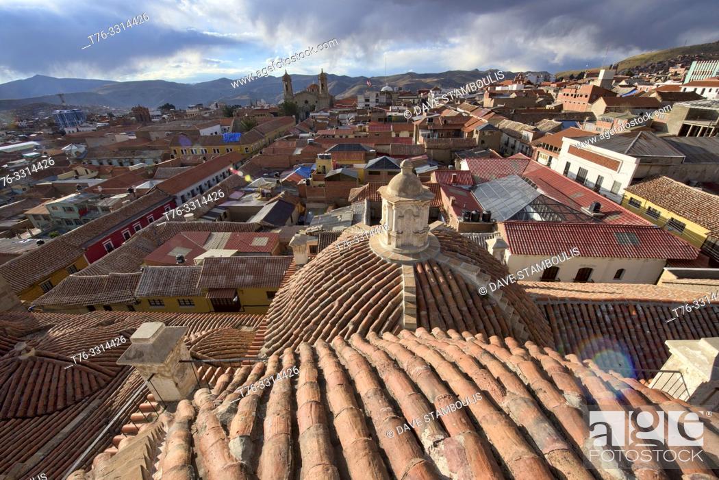 Photo de stock: Rooftop view of the San Francisco Church and Convent, Potosí, Bolivia.