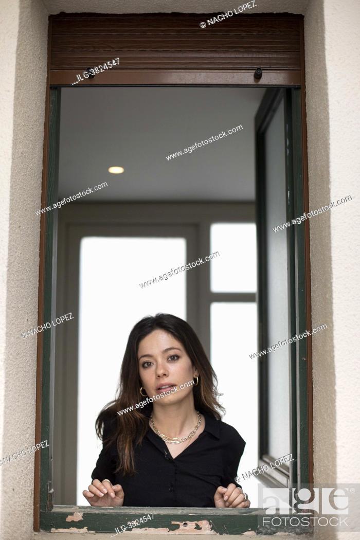Photo de stock: Anna Castillo poses for a photo session 'Lo que Viene film Festival' on 'La vida era eso' May 13, 2021 in Tudela, Navarra, Spain.