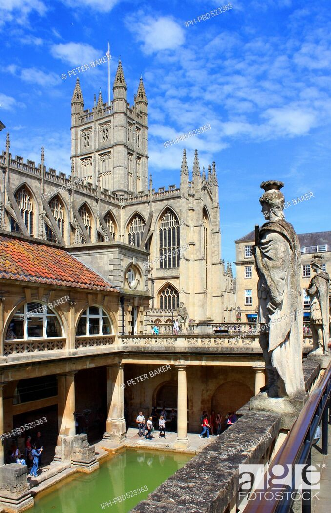 Imagen: England Avon Bath The Roman baths and Bath Abbey Peter Baker.