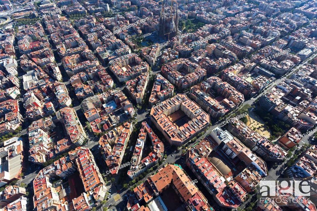 Imagen: l'Eixample  Barcelona, Spain.