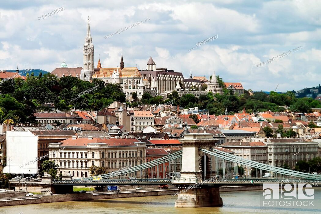 Imagen: Europe, Hungary, Budapest, Castle Hill and Castle.City View.