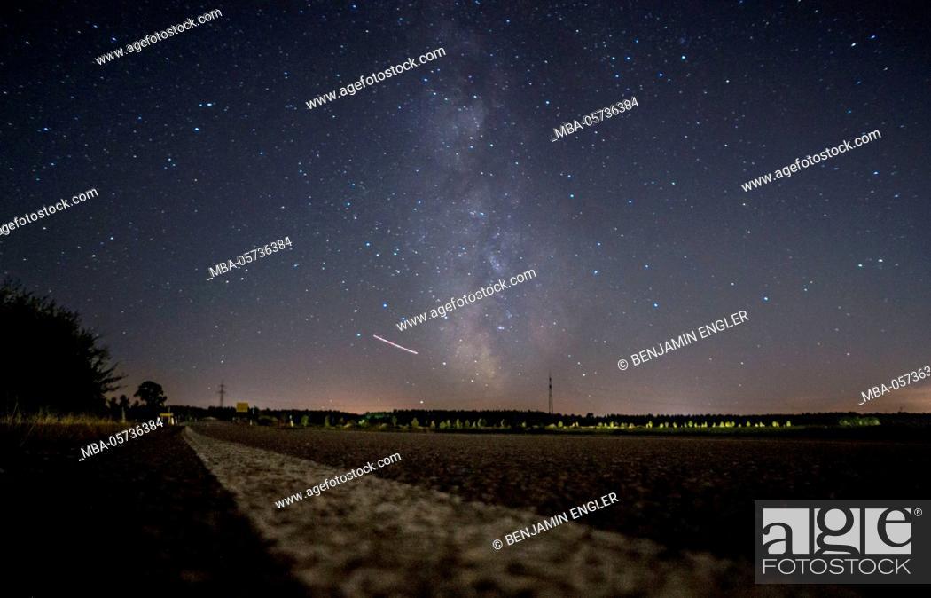 Stock Photo: Long-exposure photography at night, Milky Way, shooting star.