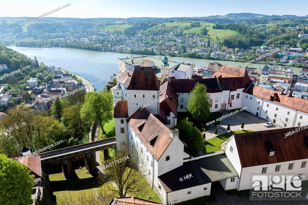 Stock Photo: View at Passau and the Veste Upper House.