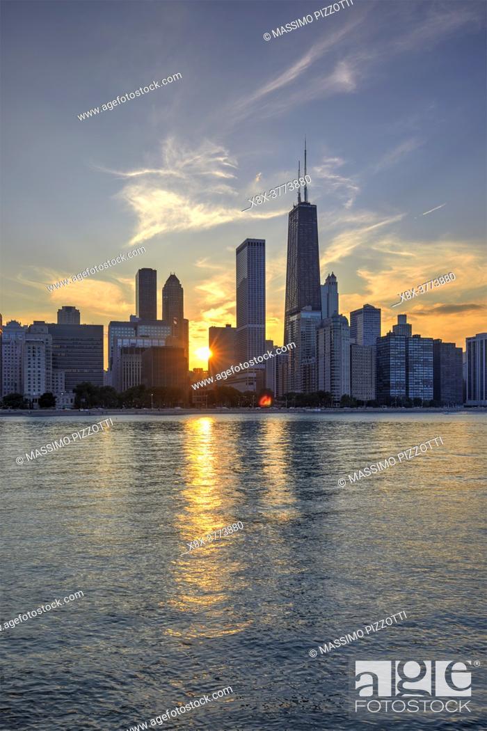 Imagen: Chicago Skyline at sunset, Chicago, Illinois, United States.