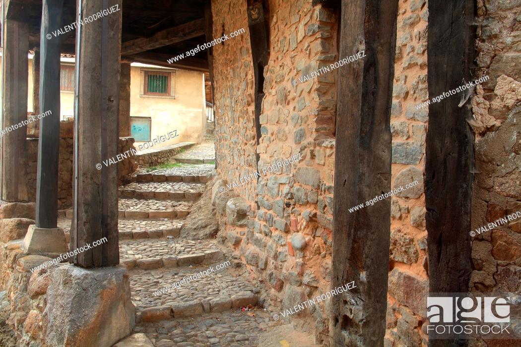 Stock Photo: Alley in Villoslada de Cameros in the natural park of the Sierra Cebollera. La Rioja.