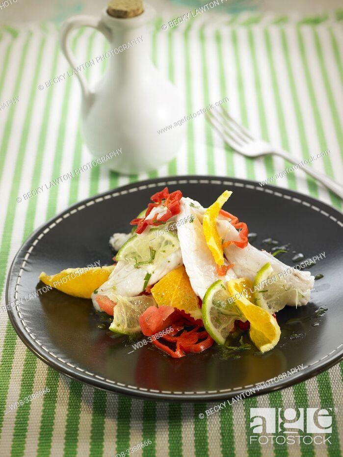Imagen: ensalada de dorada en cebiche con chiles / golden salad in cebiche with chili peppers.