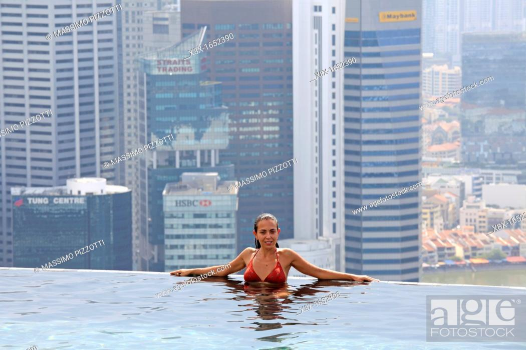 The Swimming Pool On The Top Of Marina Bay Sand Hotel Singapore