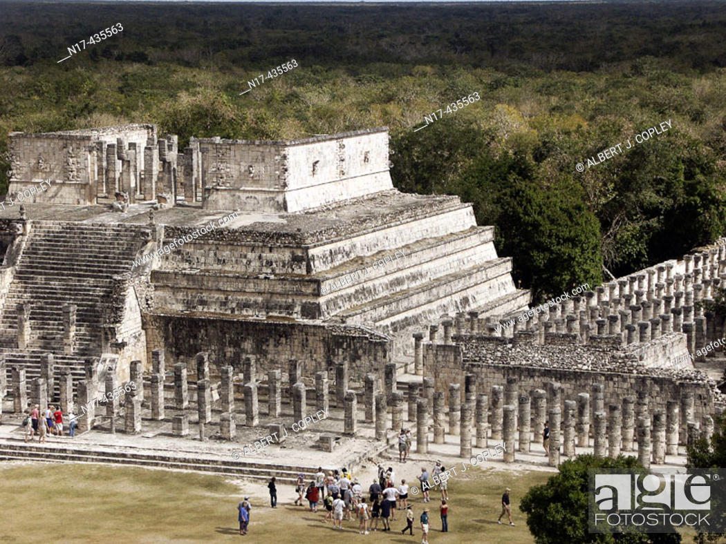 Stock Photo: Temple of the Warriors and group of thousand columns, Mayan ruins of Chichen Itza. Yucatan, Mexico.