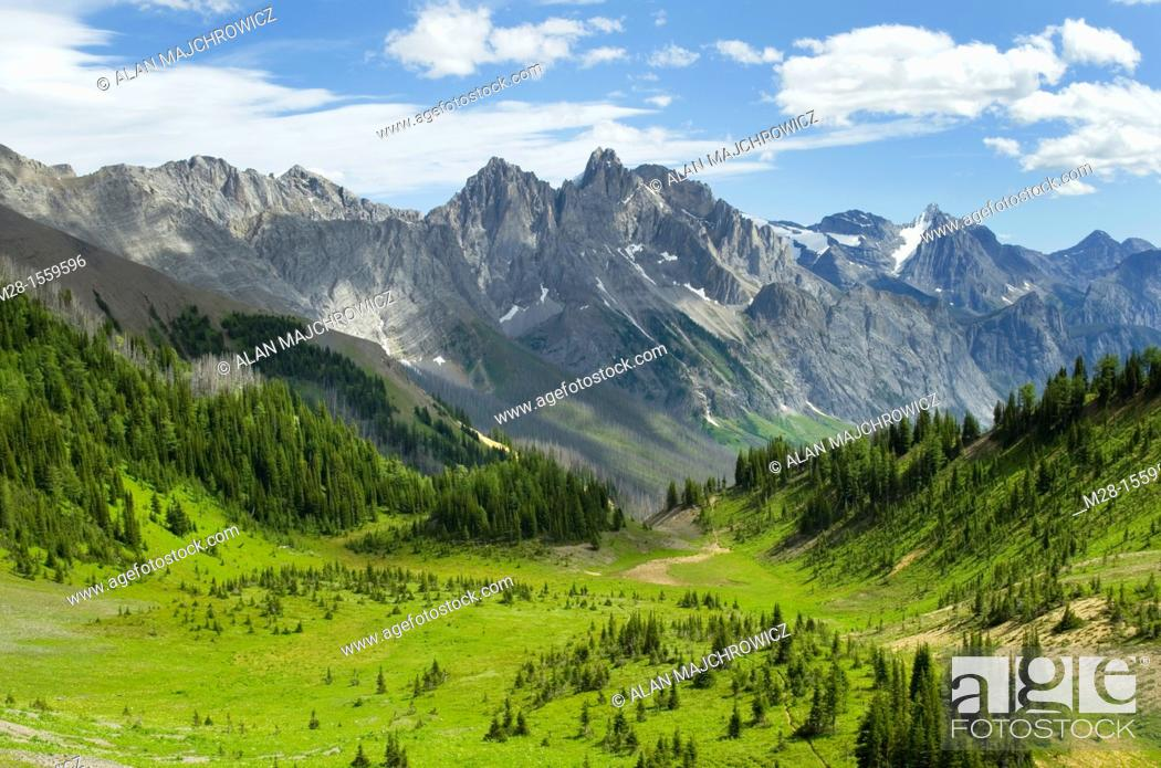 Stock Photo: View south from Sylvan Pass, Height-of-the-Rockies Provincial Park British Columbia Canada.