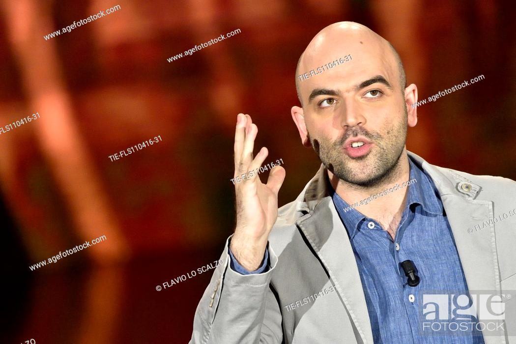 Imagen: The journalist and writer Roberto Saviano during his speech at tv programme Che tempo che fa, Milan, ITALY-10-04-2016.