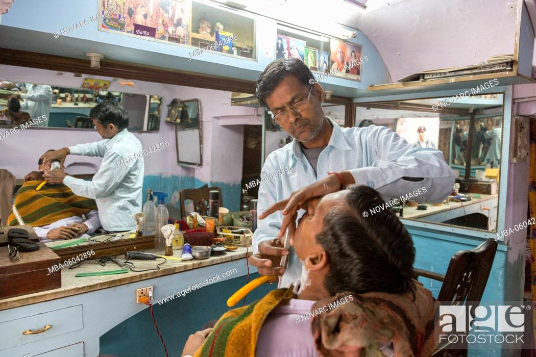 Imagen: Barber and Hairdresser, Nawalgarh, Rajasthan, India.