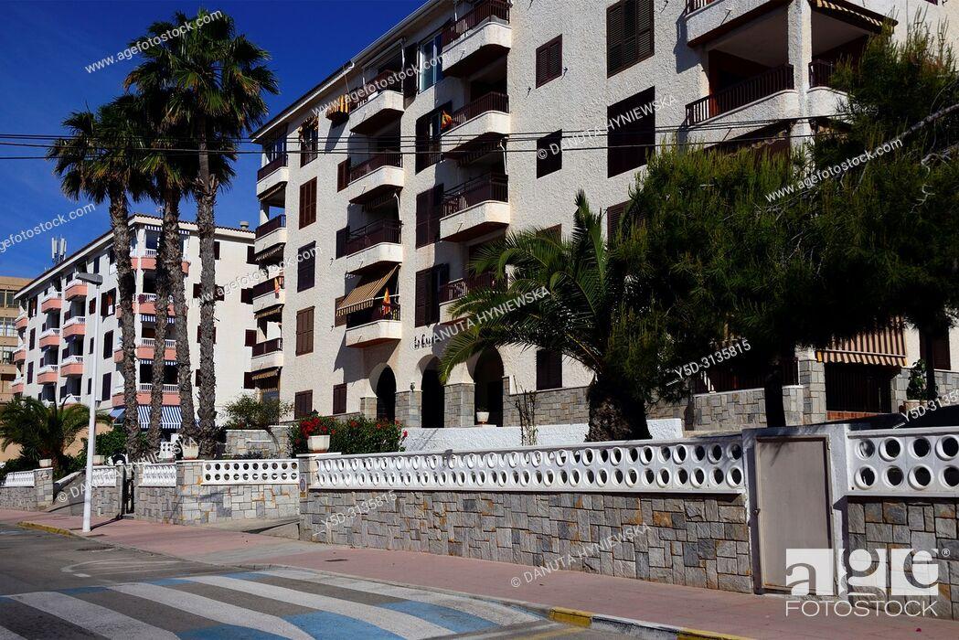 Imagen: Apartments in Santa Pola - coastal resort near Alicante, Avinguda de la Armada Española, Mediterranean Sea coast, comarca of Baix Vinalopo, Valencian Community.
