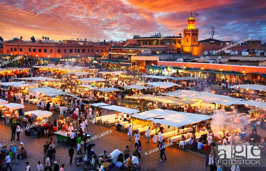 Photo de stock: Djemaa El Fna Square, Marrakech, High Atlas, Morocco.