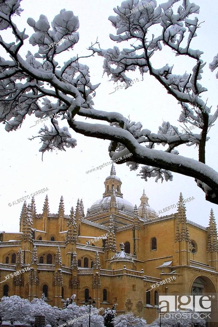 Stock Photo: Snow-covered cathedral, Segovia. Castilla-Leon, Spain.
